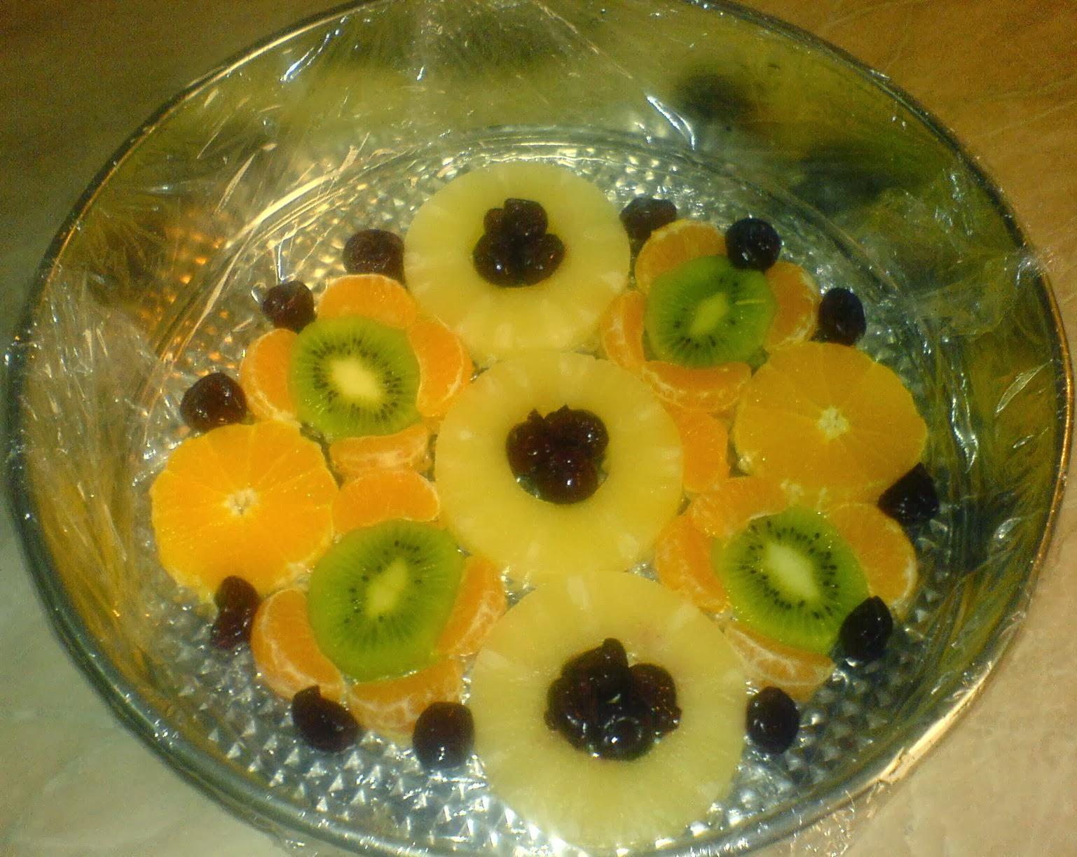 preparare tort diplomat, preparare tort diplomat cu fructe, preparare tort diplomat cu fructe si piscoturi, cum se prepara tortul diplomat, cum facem tort diplomat, cum preparam tort diplomat, retete si preparate culinare tort diplomat cu fructe si piscoturi,
