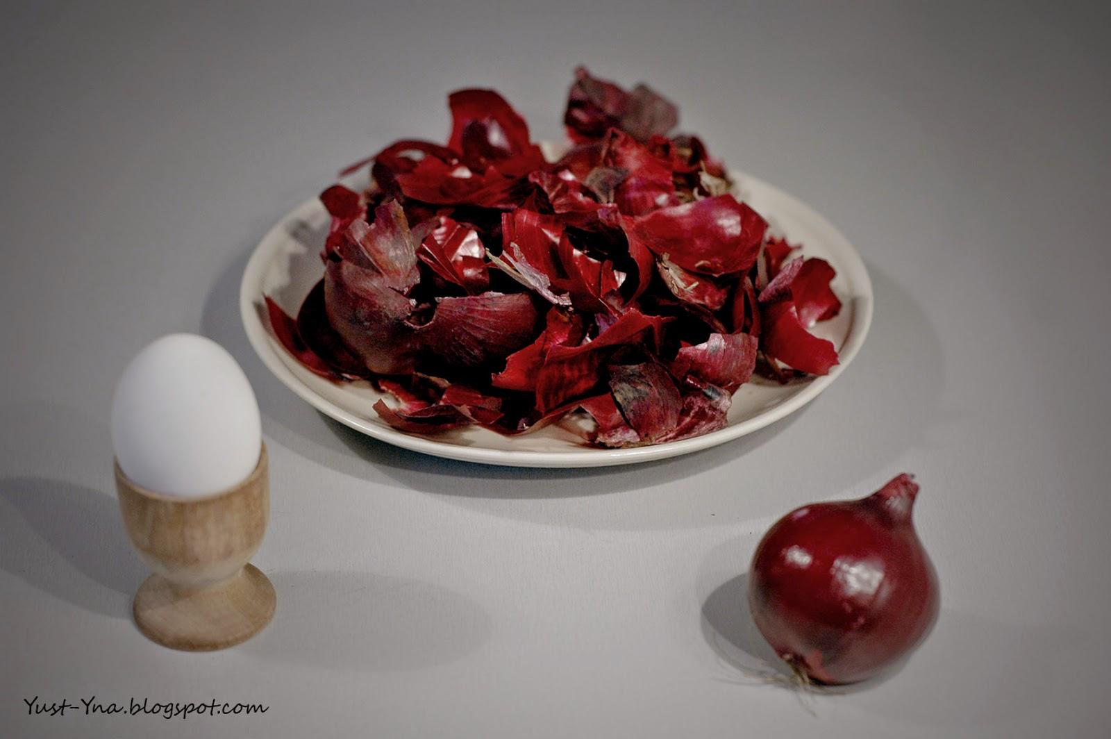 Farbowanie jajek czerwoną cebulą