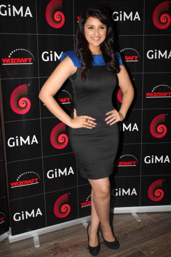 Parineeti Chopra in black dress at GIMA - Parineeti Chopra at GIMA Awards Press Meet