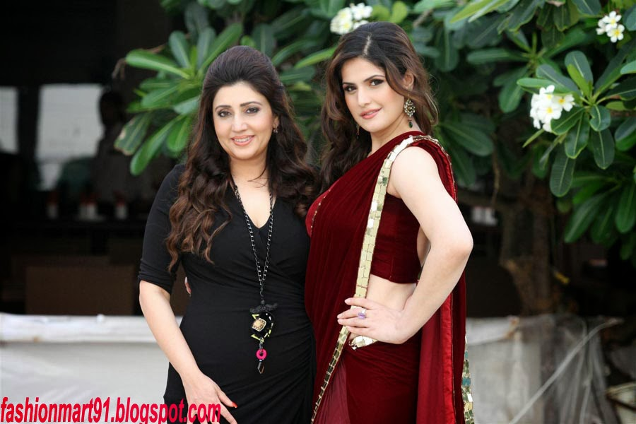 Zarine Khan in Maroon Sarre at Gitanjli Jewels Wedding Lounge