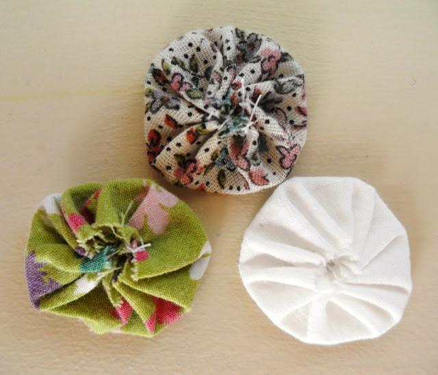 fabric yo-yos