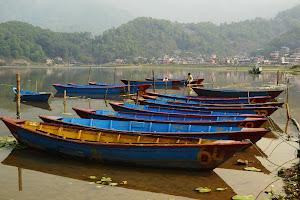 Путь в Покхару. Город на берегу озера