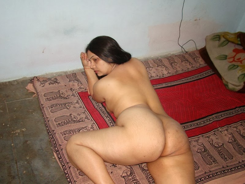 22 south indian bigboobs housewife in train hookup 3