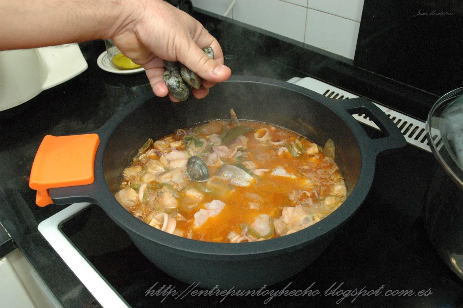 Entre punto y hecho caldereta de pescado y marisco - Caldereta de langostinos ...