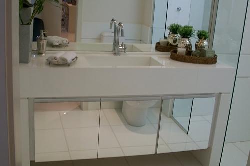 Construindo Minha Casa Clean 10 Banheiros Modernos com Armários Espelhados!  -> Banheiro Decorado Com Armario De Vidro