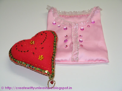 Embroidered Valentine Felt heart7