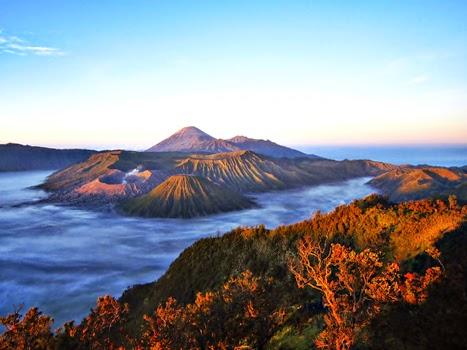 Cerita dan Sejarah Gunung Bromo