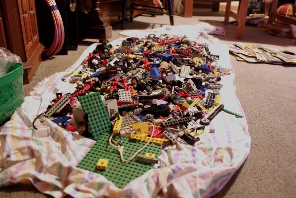 Afbeeldingsresultaat voor lego pile on sheet