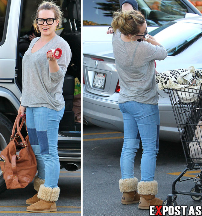 Hilary Duff 'batendo papo' com paparazzi ao deixar supermercado em Beverly Hills - 27 de Outubro de 2012