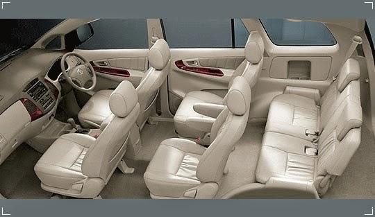 nội thất của xe innova