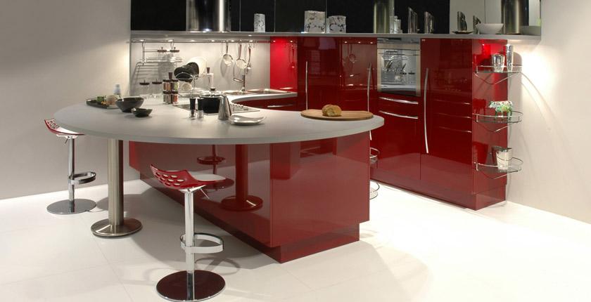C mo integrar una mesa en la cocina cocinas con estilo for Cocinas con peninsula y mesa