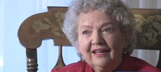 foto de la mujer de ochenta y seis años escritora