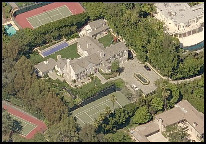 Celebrity 39 S House Caught In Google Map Icon Magazine