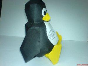 Linux Mascot - Tux Papercraft-1