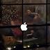 Apple publica comercial de Natal com participação de Stevie Wonder e Andra Daye