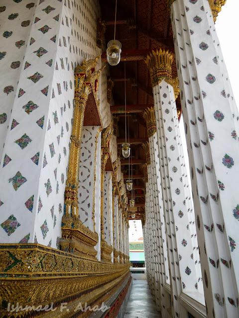 Hallway of Wat Arun ubosot