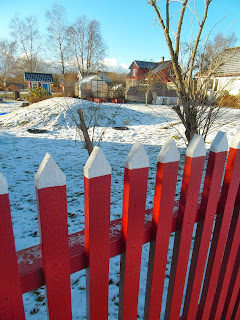 gammaldagsstaket, staket, rött staket,