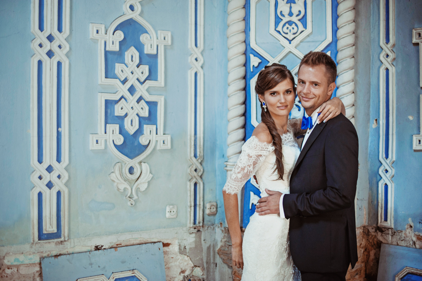 Niebieskie kolczyki ślubne sutasz