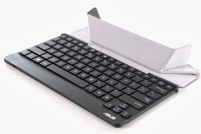 Bluetooth 3.0 connectivity and a full QWERTY TransKeyboard from Asus