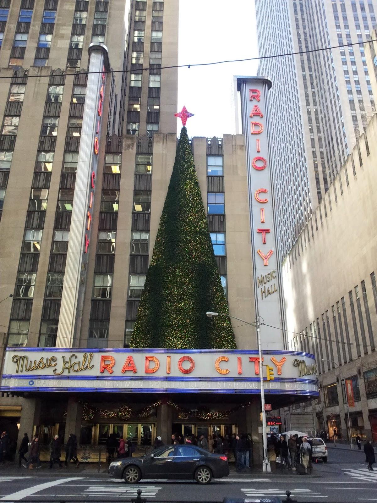 #7C5E4F L' Esprit De Noël à New York #1: Les Vitrines Et Les  6655 Debut Des Decorations De Noel A New York 1200x1600 px @ aertt.com