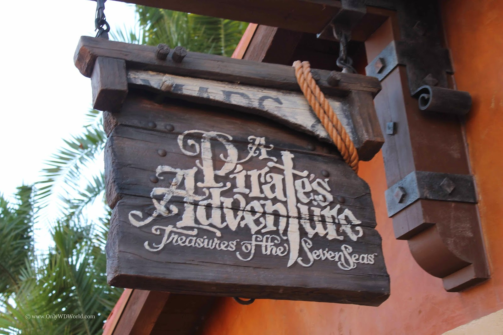 Disney World  - A Pirate's Adventure - Treasures of the Seven Seas