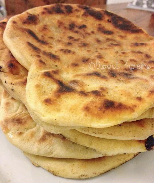 sweet kwisine, pain, cheese, naan, nan, vache-qui-rit, fromage, cuisine indienne, cuisine végétarienne