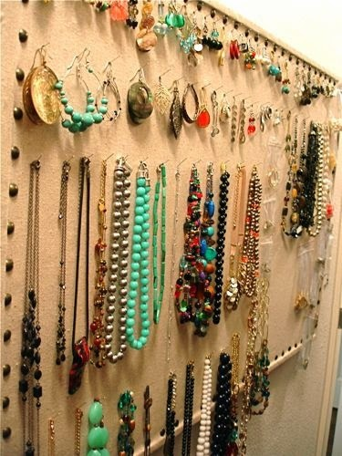 Organize jewelry on a bulletin board :: OrganizingMadeFun.com