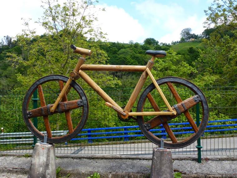 Bici de madera
