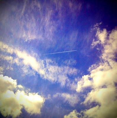 Plane vapour trail