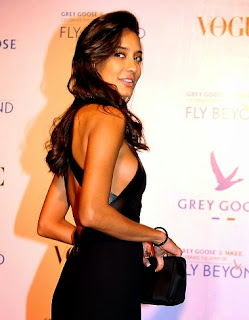 Lisa Hydon in Black Backless Gown at Grey Goose India Fly Beyond Awards Spicy Pics