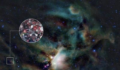 """Un equipo internacional de astrónomos ha detectado por primera vez azúcar alrededor de un estrella joven, informó hoy el Observatorio Austral Europeo (ESO) desde su central en la localidad de Garching, en el sur de Alemania. Con el radiotelescopio ALMA, ubicado en el desierto de Atacama (Chile), en el llano de Chajnantor, a 5.000 metros de altura, los científicos lograron captar moléculas de glicolaldehído en el gas que rodea la estrella binaria joven IRAS 16293-2422, con una masa similar a la del Sol y ubicada a 400 años luz de la Tierra. """"En el disco de gas y polvo que"""