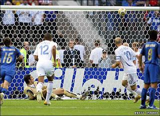 Зидан не забил пенальти в финале чемпионата мира 2006