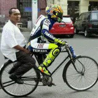 Valentino Rossi Ojek Sepeda