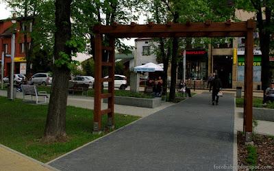 http://fotobabij.blogspot.com/2015/09/pergola-w-parku-solidarnosci-bigoraj.html