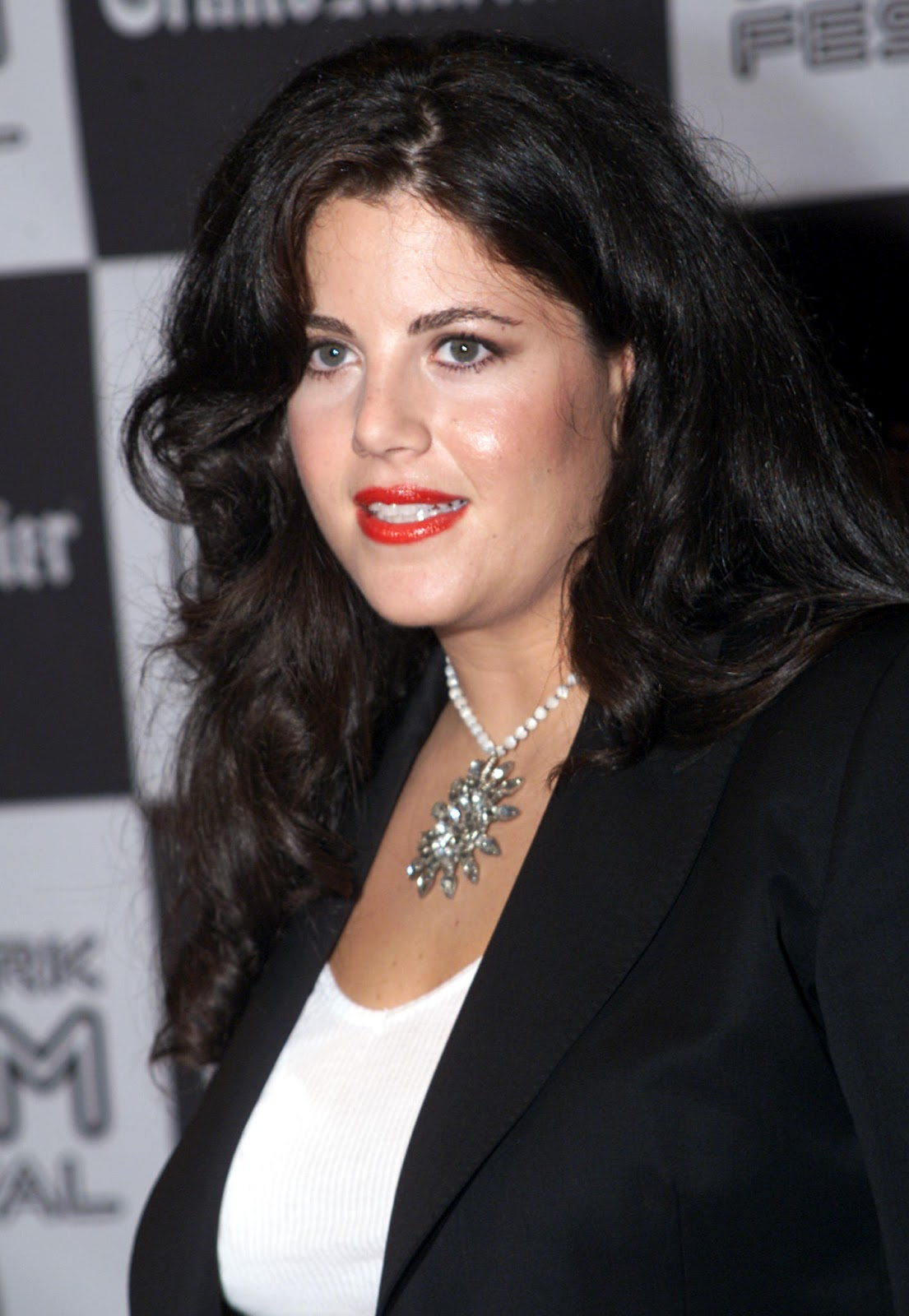 Cool Haircut Old Story But Still Interesting Of Monica Lewinsky
