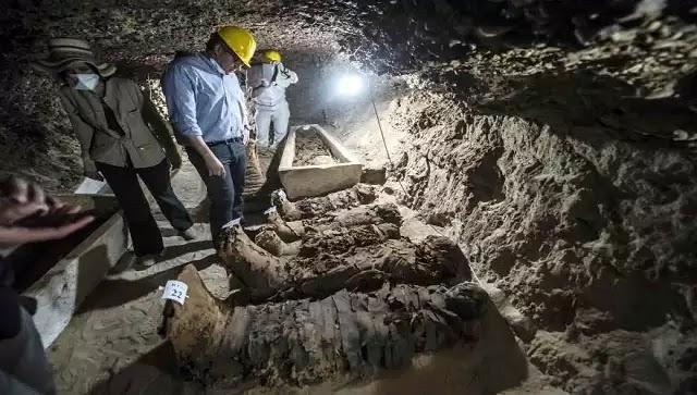 Mεγάλη ανακάλυψη: Βρήκαν 17 άθικτες μούμιες από τον καιρό του Μεγάλου Αλεξάνδρου και του Πτολεμαίου