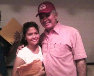 ¡Esta es la hija del desertor cubano junto al General Carlos Mata Figueroa en la Isla de Margarita!
