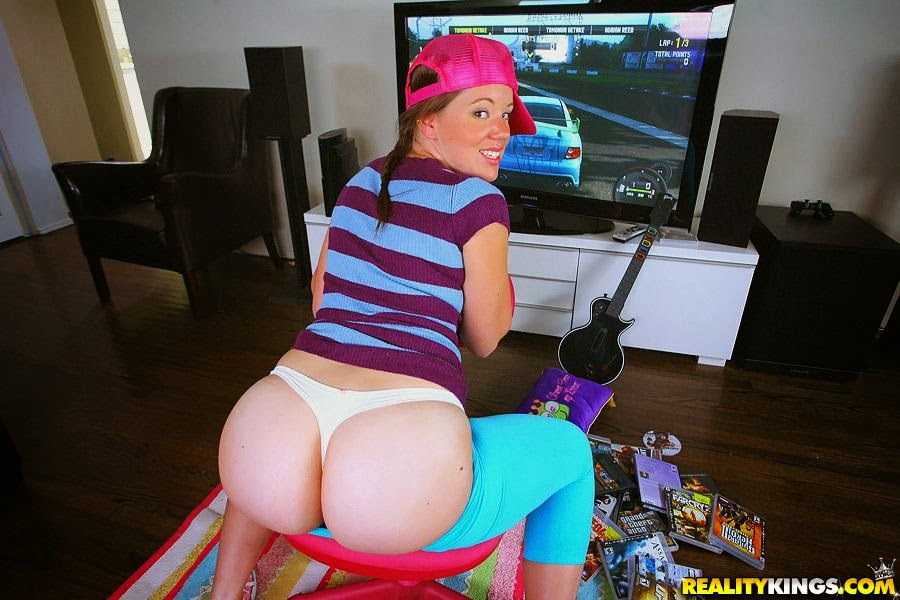 image Lizzie tucker fucked while playing console game