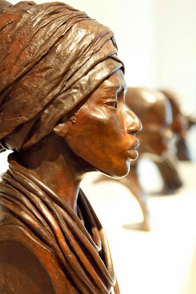 Brijite Bey - Sculptures Faciès Africains en Bronze Patiné
