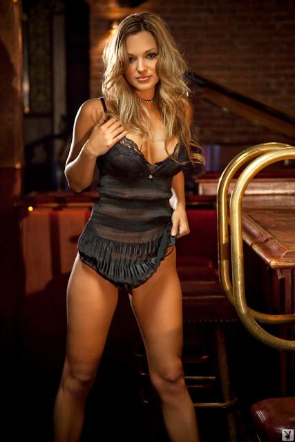 Modelo Daniela Mgonolo