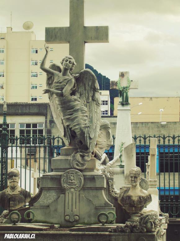 Girl Angel Statue and emperors,Cemitério São João Batista,Saint John the Baptist Cemetery,Rio de Janeiro, Brazil, Pablo Lara H Blog, pablolarah