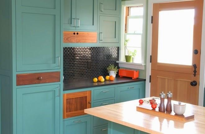 Màu ngọc lam (là kết hợp độc đáo của xanh da trời và xanh lá cây) khá lạ và kén phong cách.