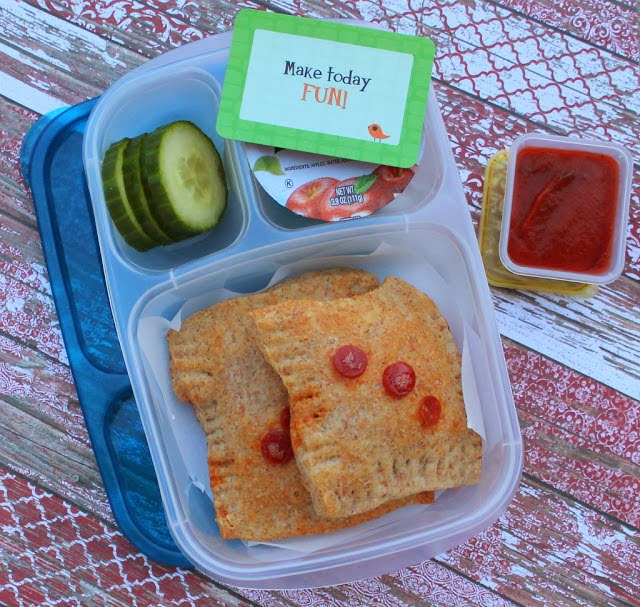 Whole Grain Pizza Pocket School Lunch in Easylunchboxes - mamabelly.com