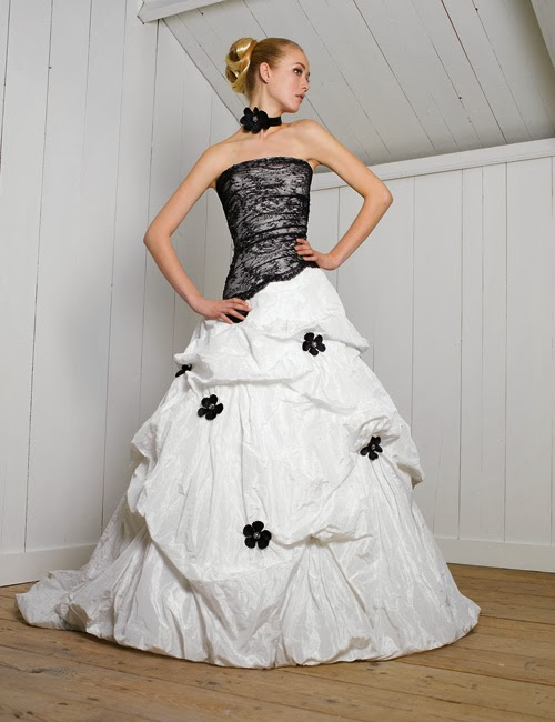 Vestidos de Novia con Flores Negras, parte 1