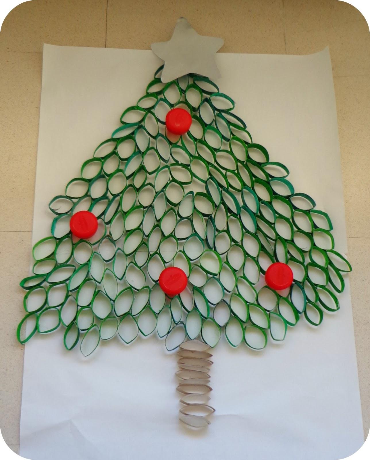 El caf del bosque diogeneras un rbol de navidad de - Adornos navidenos con rollos de papel higienico ...