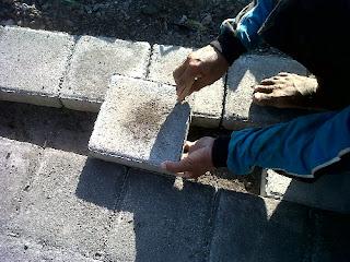tanda batas potong paving