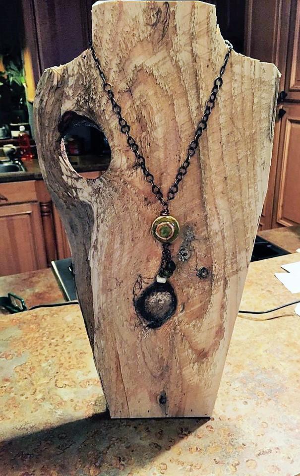 Love My Art Jewelry: BIG Displays.... small Spaces