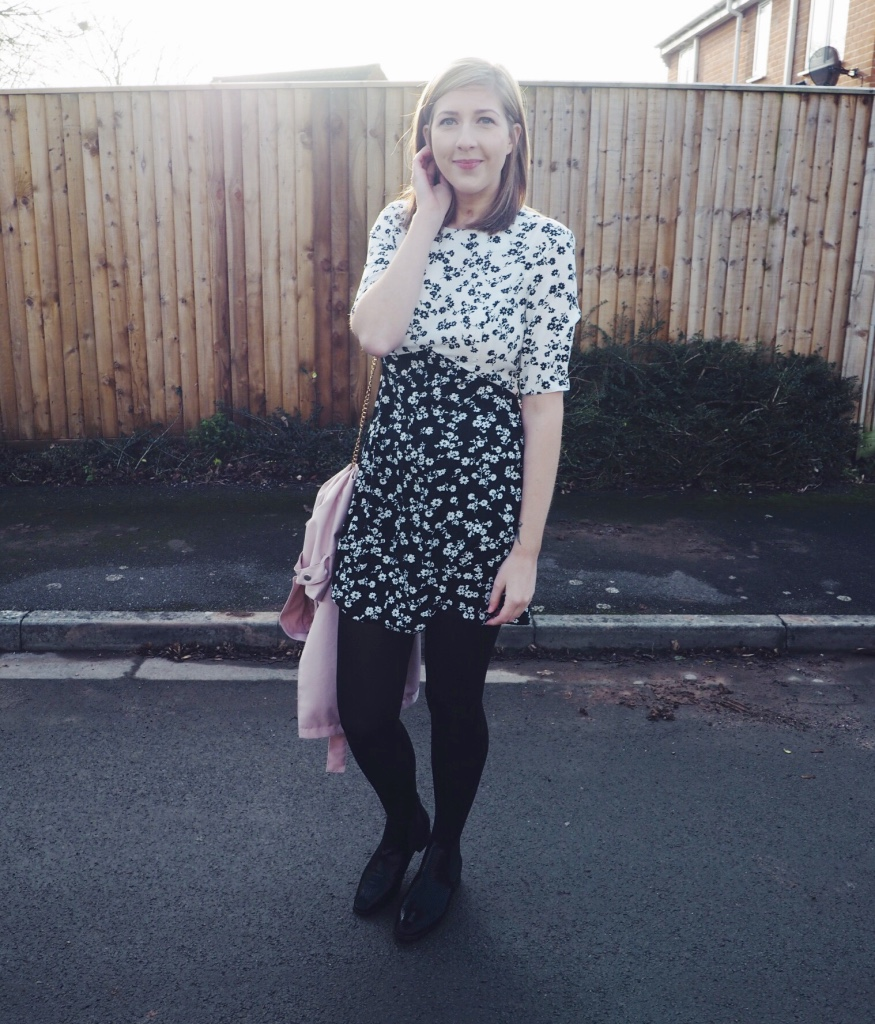 asos, ASDA, asseenonme, wiw, whatimwearing, chelseaboots, fbloggers, blackandwhite, blackandwhiteflorals, floraldress, fashionpost, fashionbloggers, pinktrench, ootd, outfitoftheday, lotd, lookoftheday