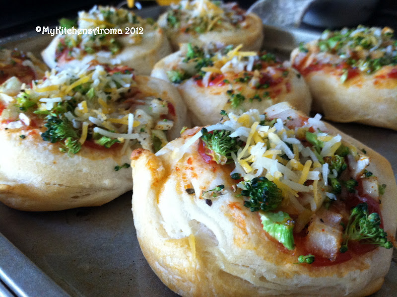 how to make mini pizzas with biscuits