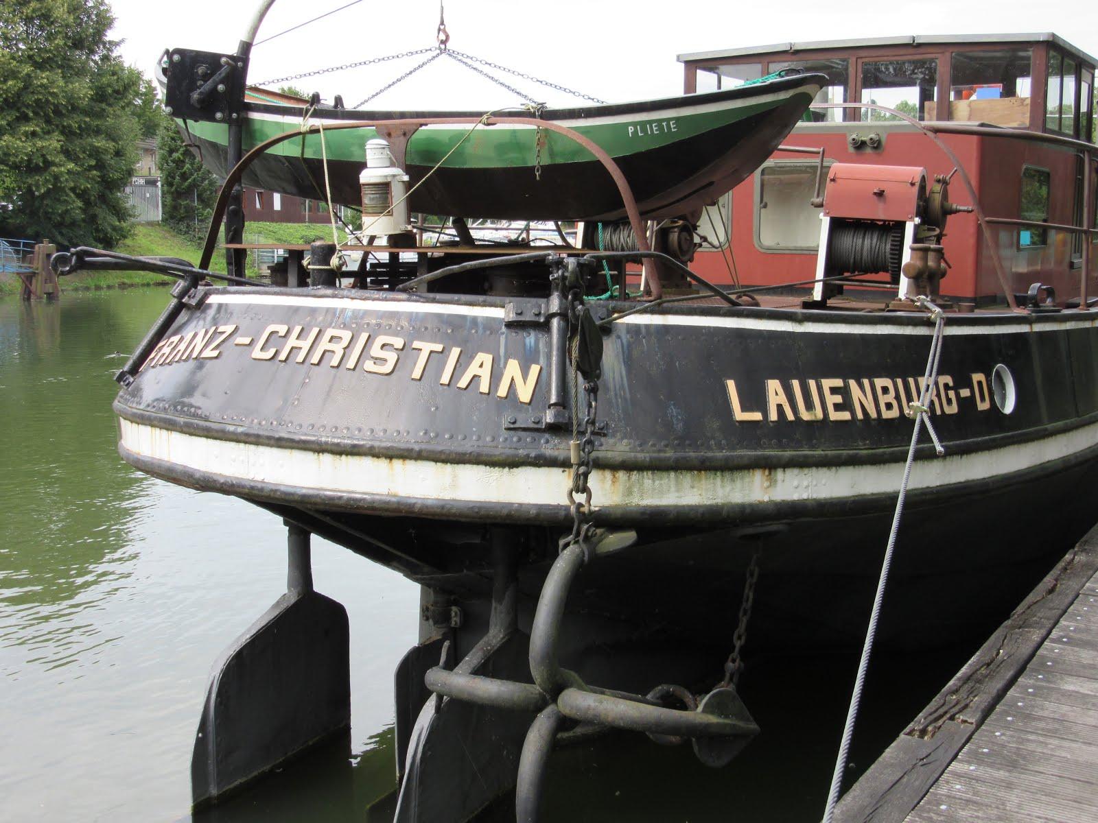 Altes Binnenschiff